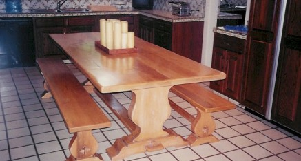 Dining Spanish Table